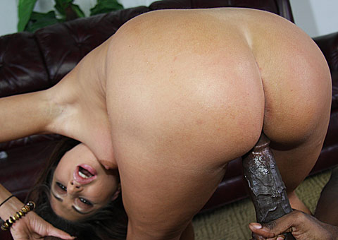 booty Britney Stevens gets picked up by a huge cocked black from interracial pickups